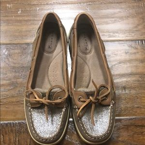 SPERRY boat shoes tan/brownish color sz 6.5M